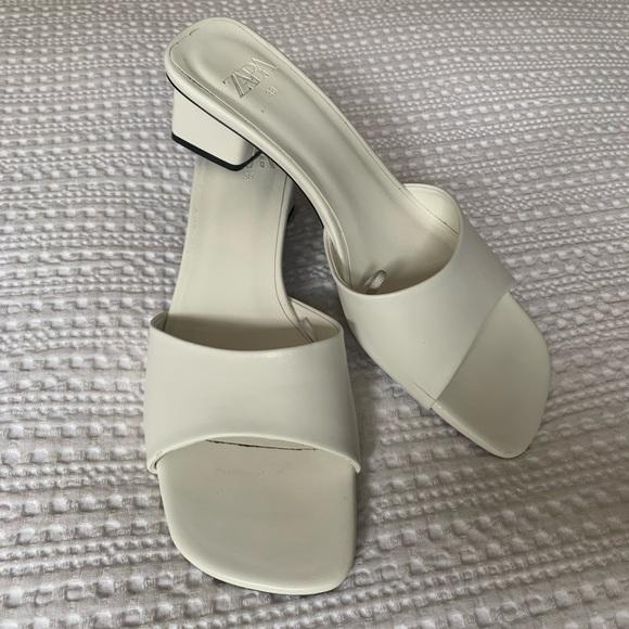 Women's Zara Thick Heeled Sandals in White